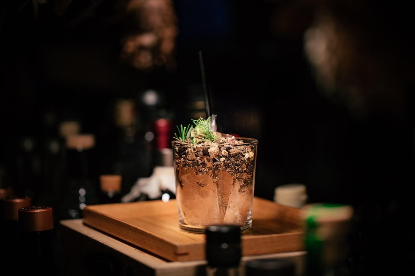 Barmanii celui mai exclusivist cocktail bar din Aviatorilor impartasesc secretele bauturii perfecte